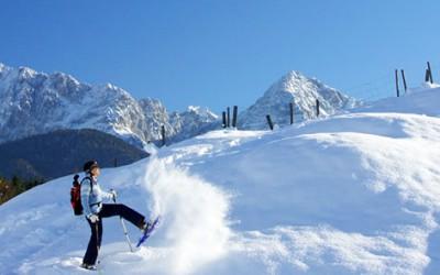 Schneeschuhwandern in ader Alpenwelt Karwendel
